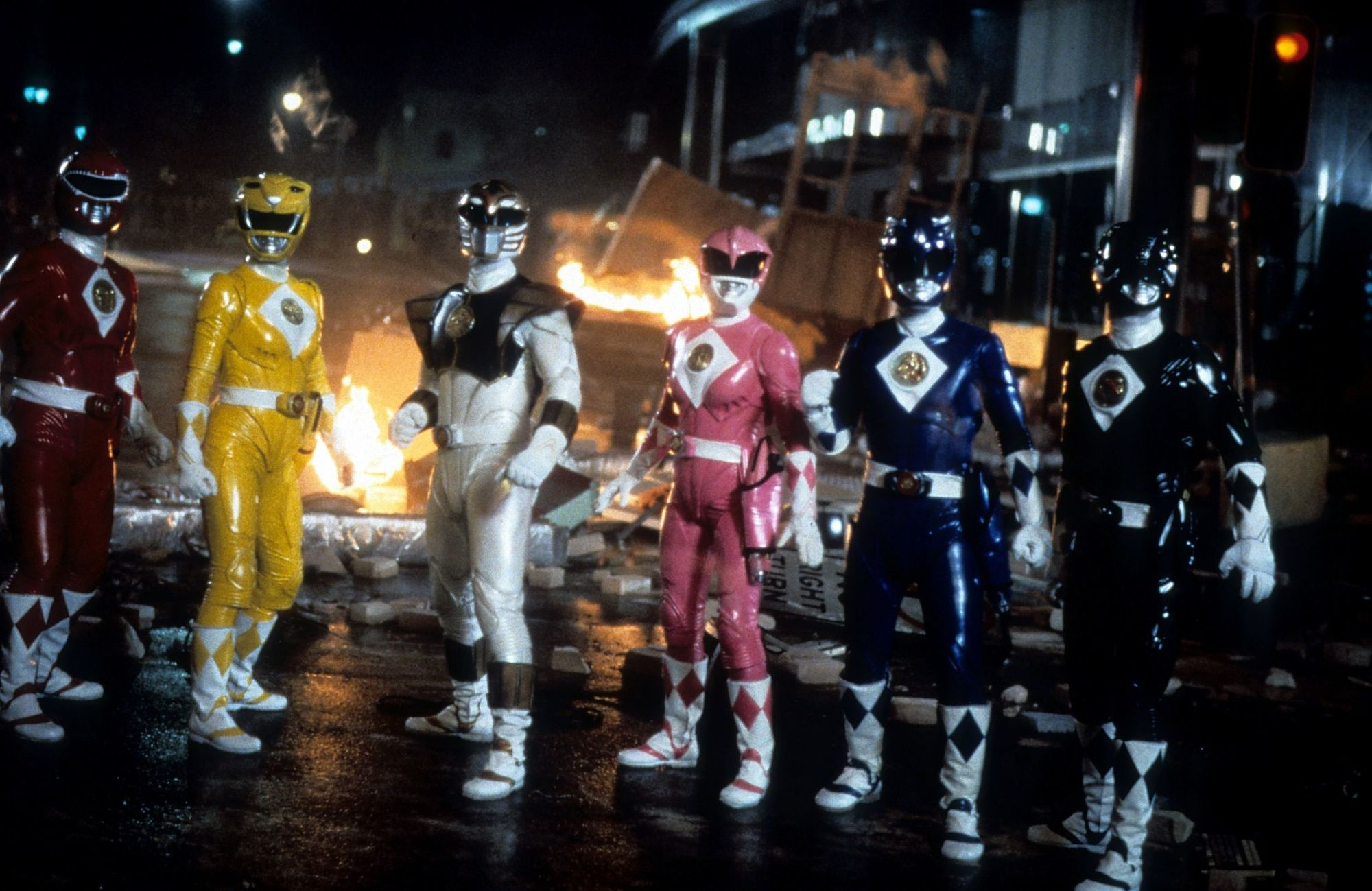 comparing-old-school-and-new-school-power-rangers-plus-an-interesting-fan-theory-power-r-966881